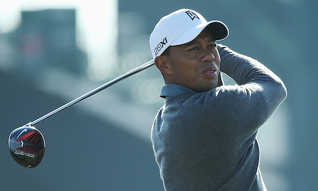 Tiger testing prototype VR_S Covert Driver at Muirfield